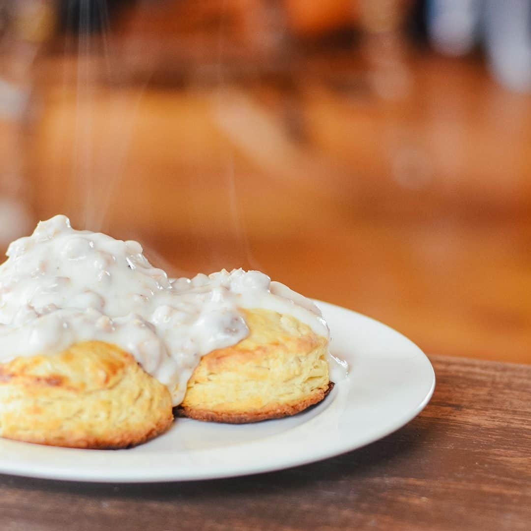 Country Buttermilk Biscuits Recipe
